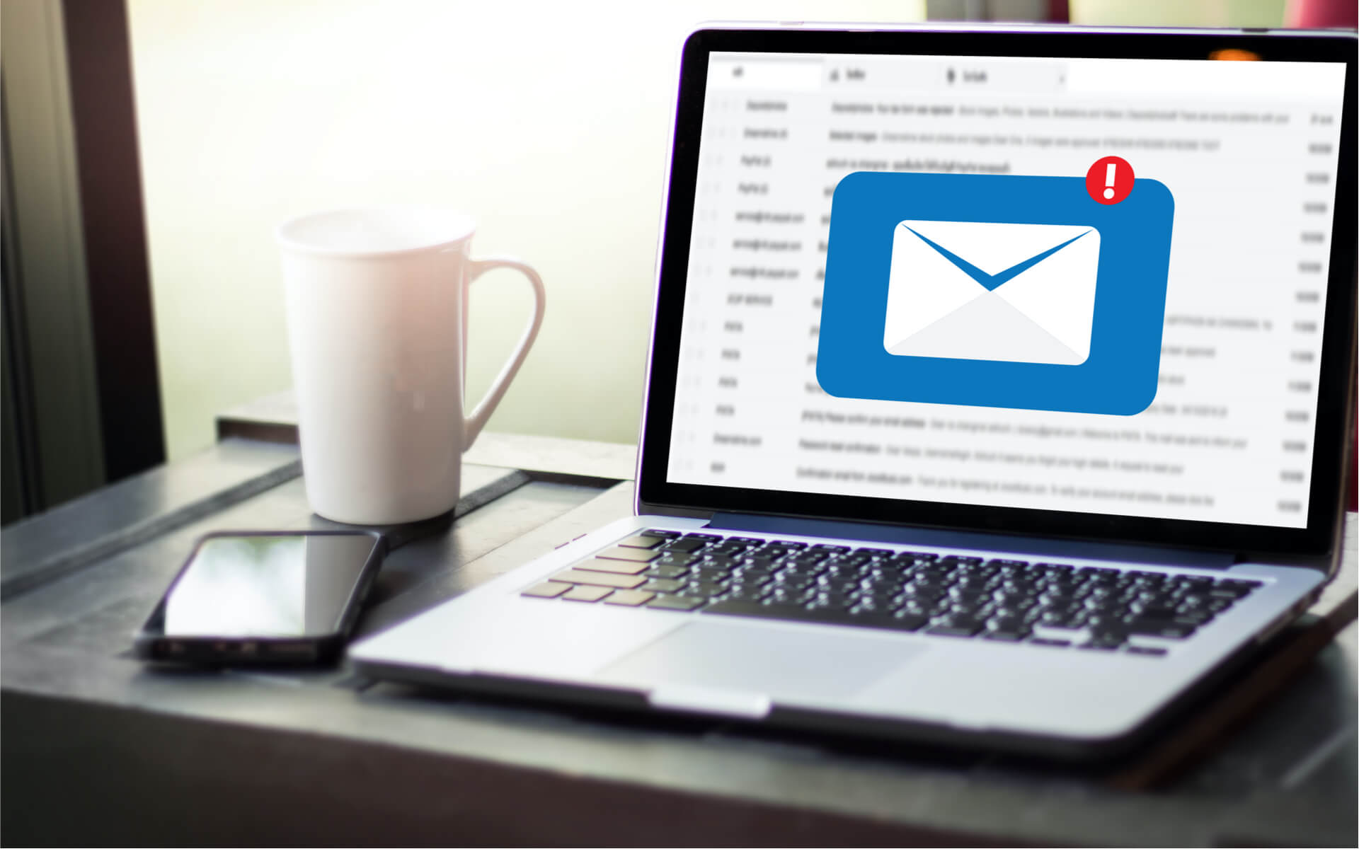 e-mail-marketing-laptop-warning-w1920h1200