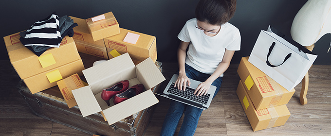 blogTitle-Online-Shopping-Laptop-Kartons